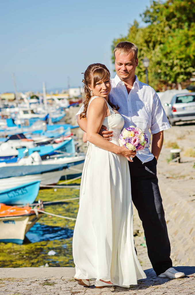 Bride and groom photo session Sozopol boats