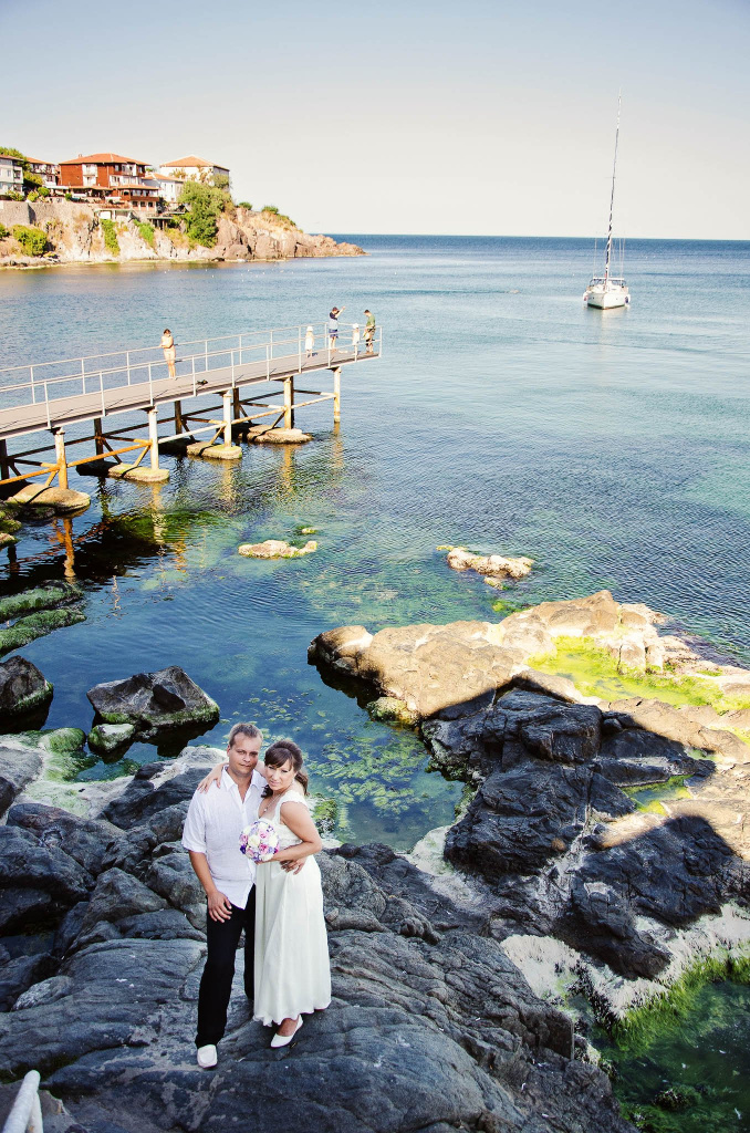 Wedding couple photo on the rocks in Sozopol