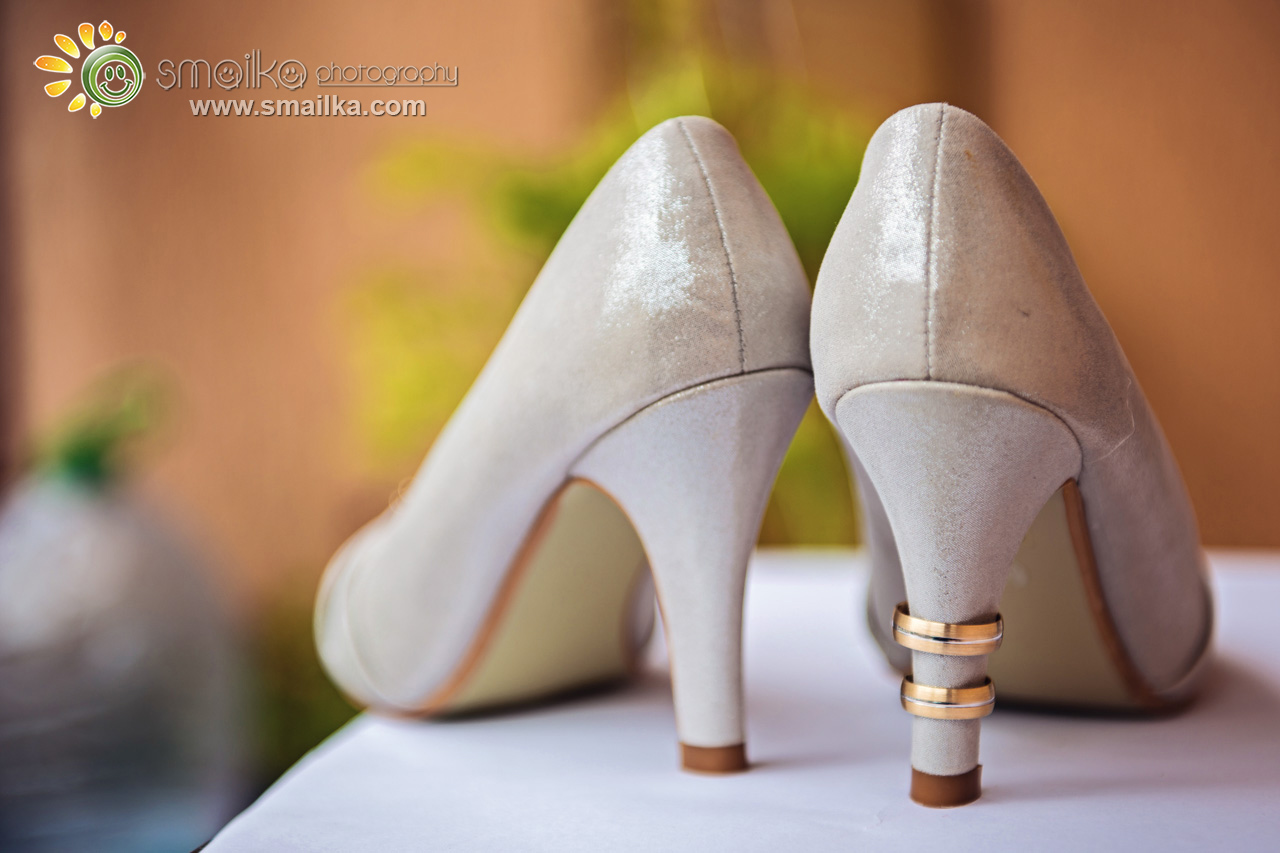 Bride shoes and wedding rings