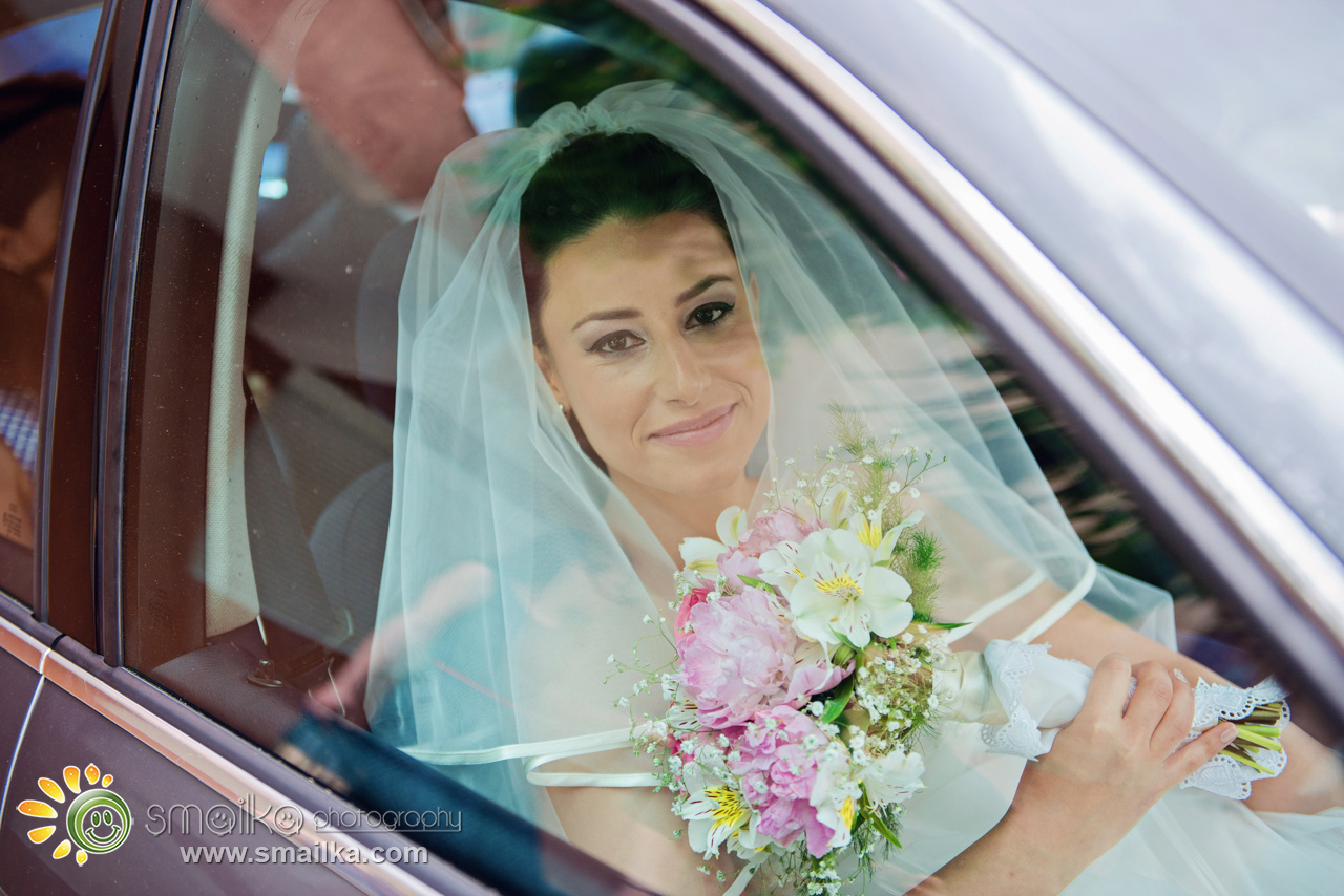Bride preparation photo in the limo