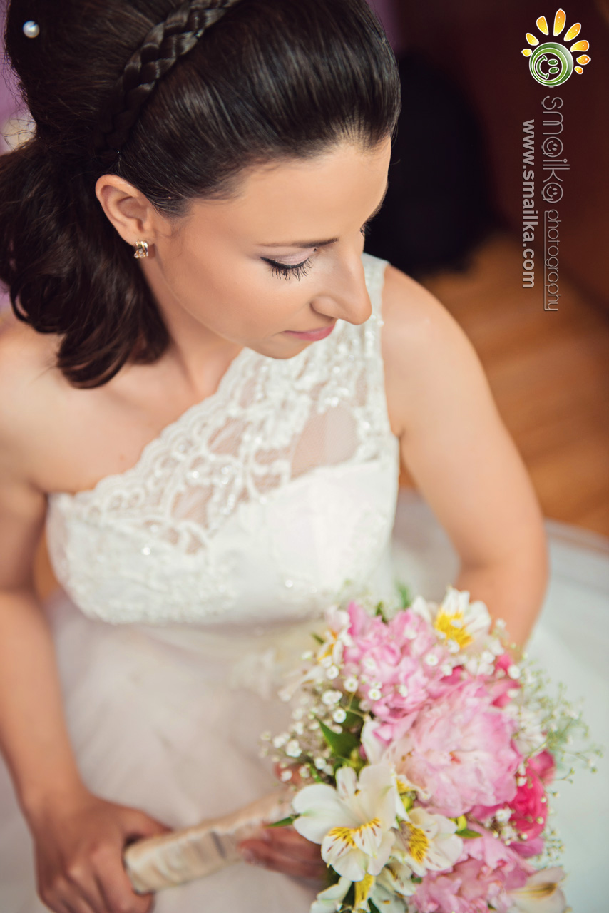 The bride and the wedding bouquet