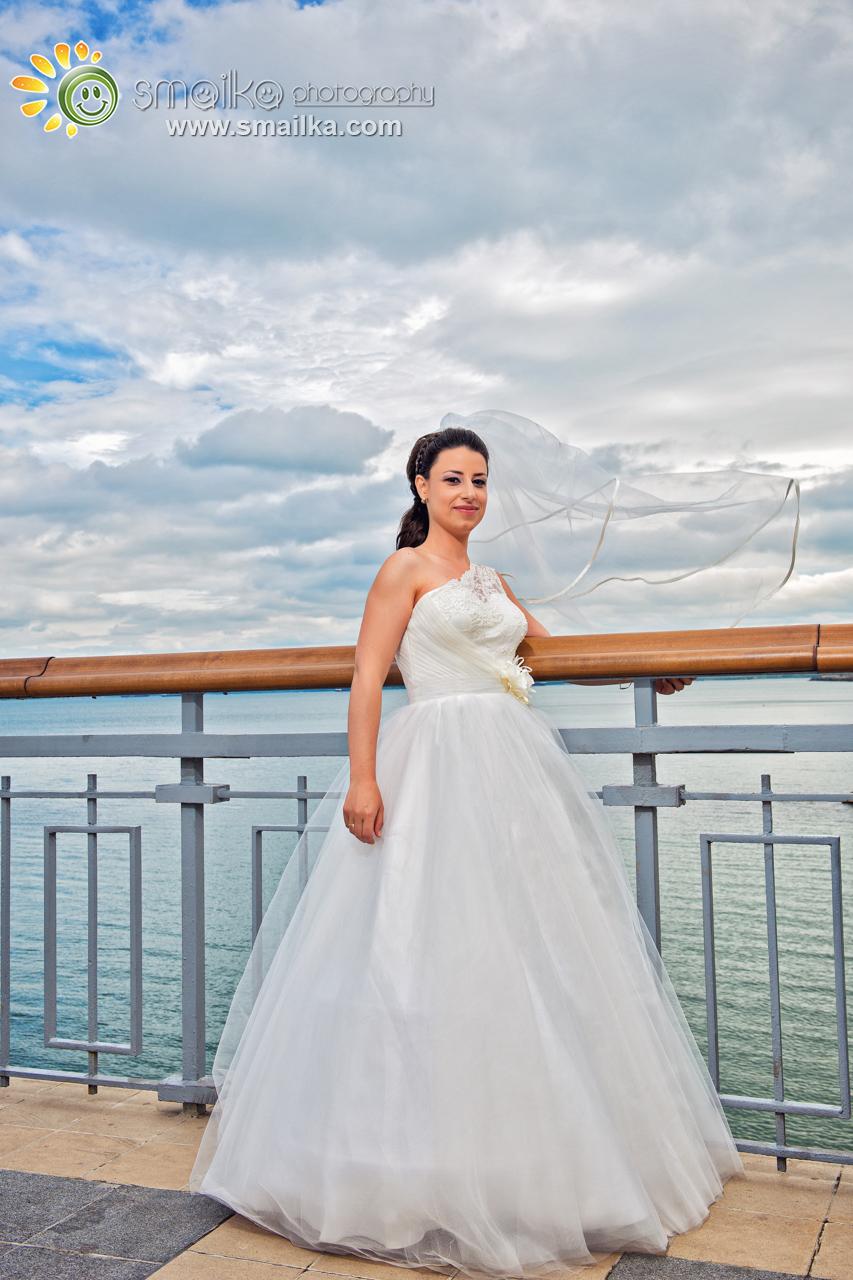 Bride portrait on the sea