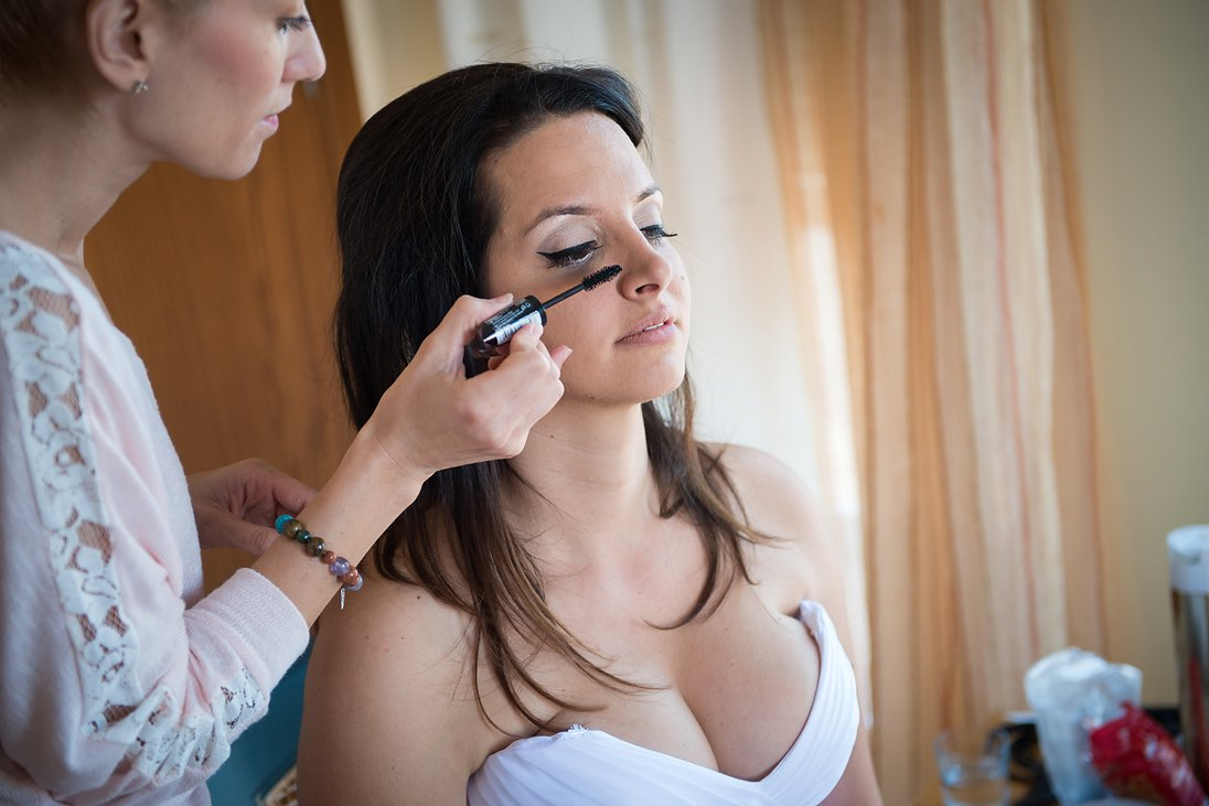 Bride preparation make up photography