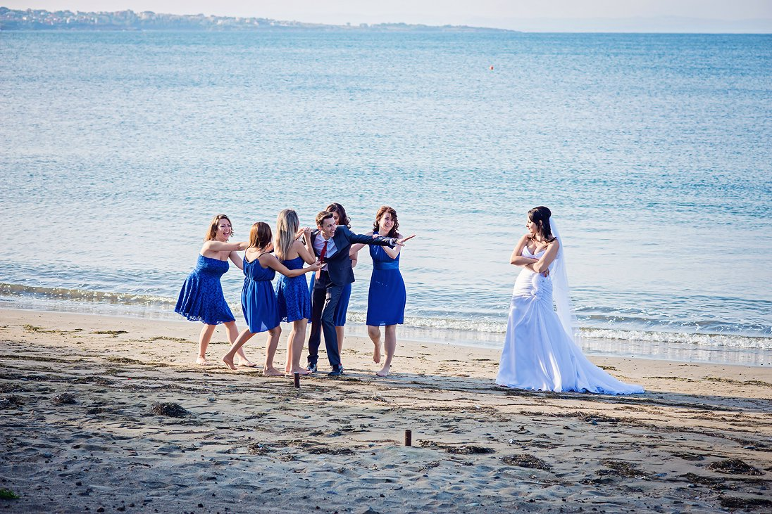 Wedding photography near the sea