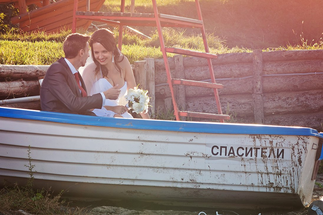 Romantic wedding photos in Santa Marina