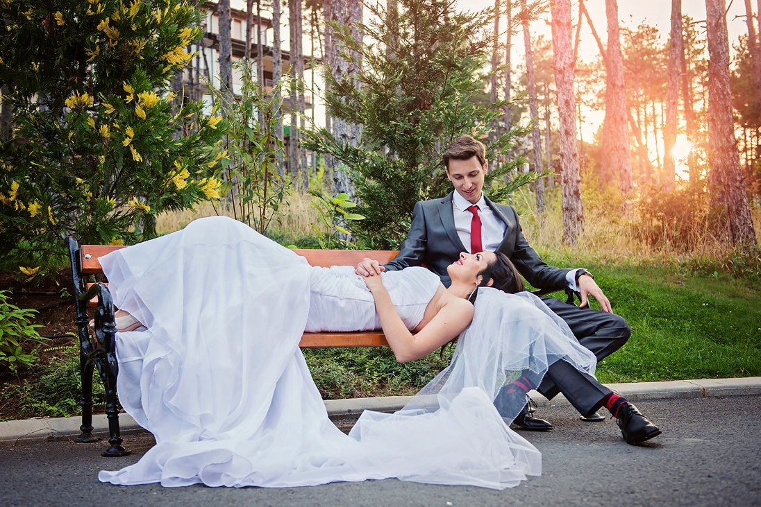 Santa Marina wedding couple photo session in forrest