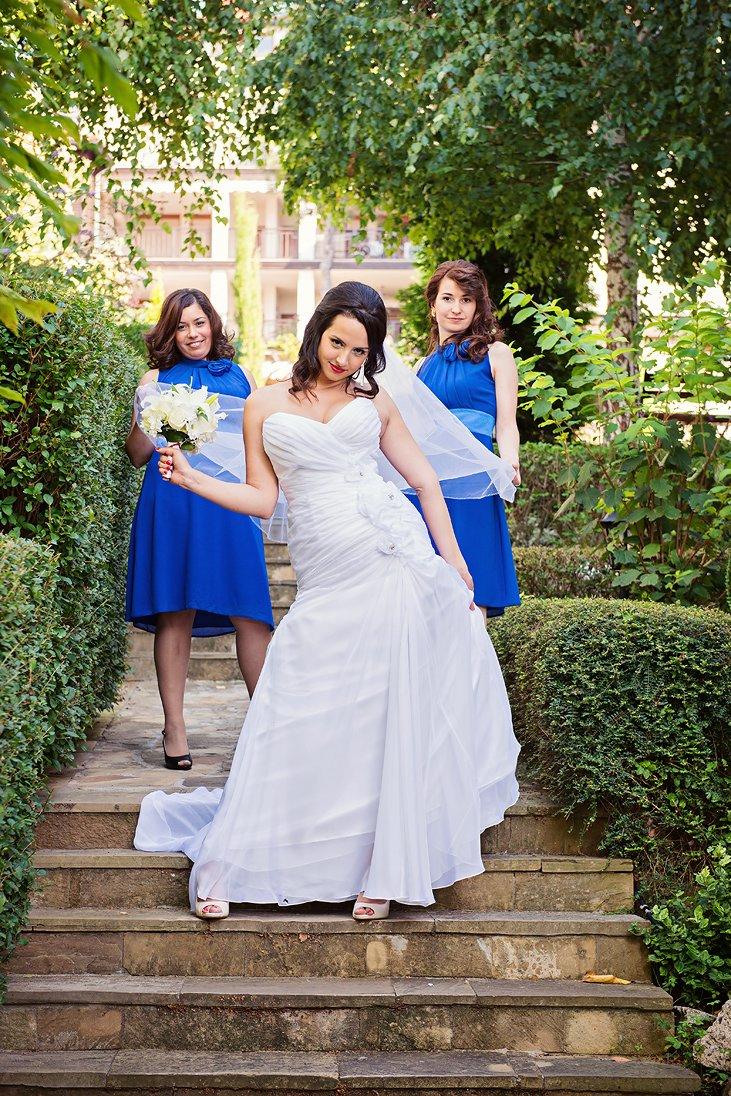 Bride and maids of honor in a Santa Marina wedding