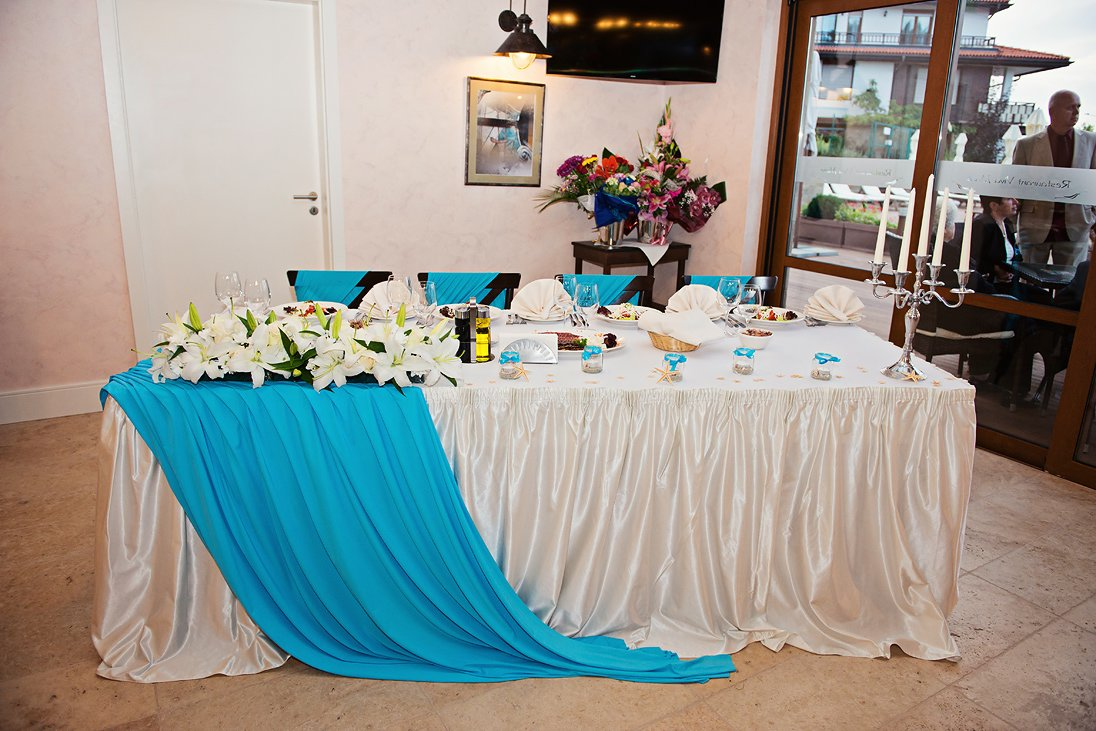 Wedding restaurant decoration