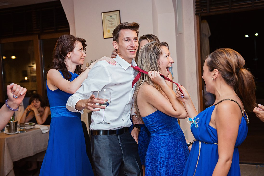 Groom kindapped by the maids of honor