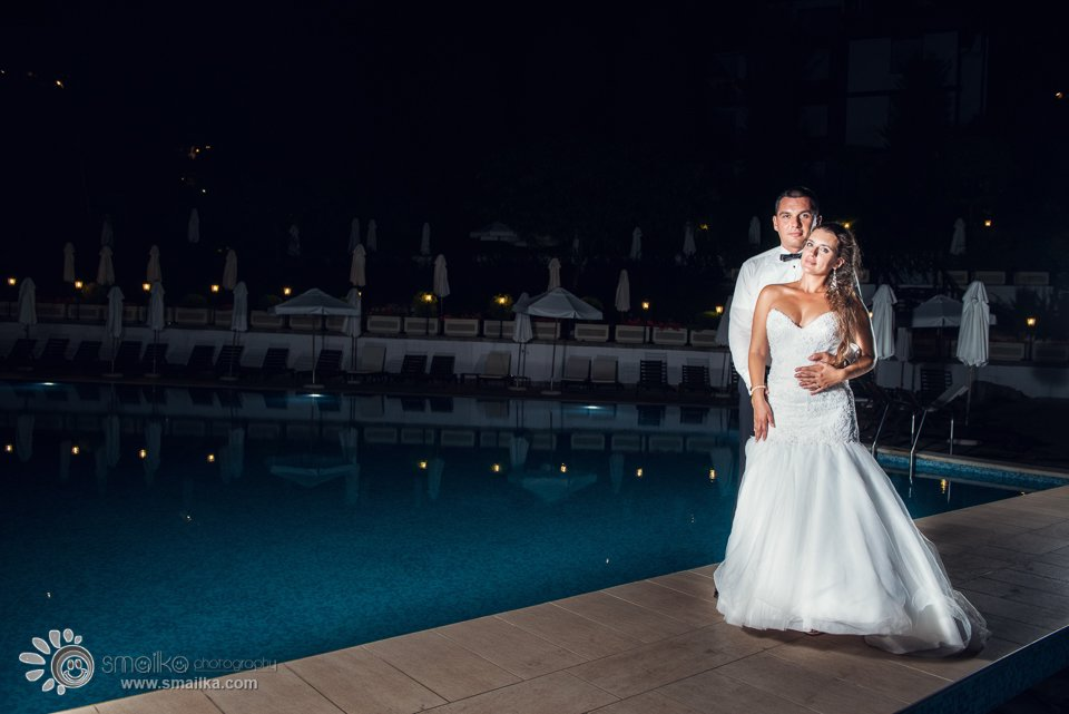 Wedding photosession Santa Marina Sozopol by the wimming pool