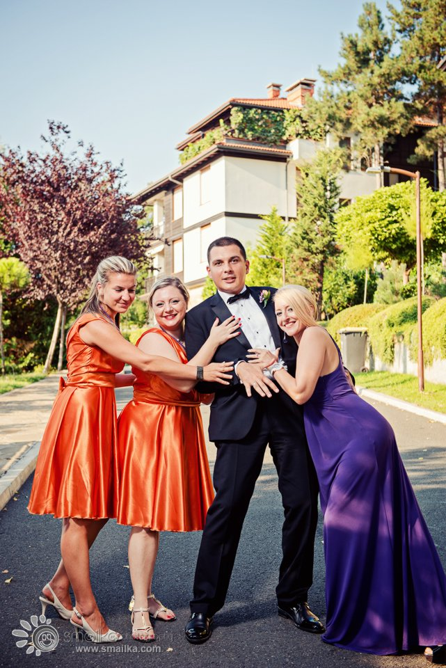 Wedding photography groom and best women photo