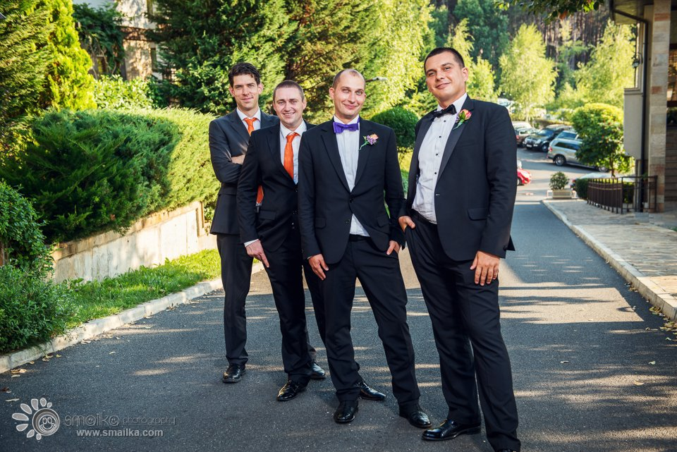 Wedding photosession groom and best men