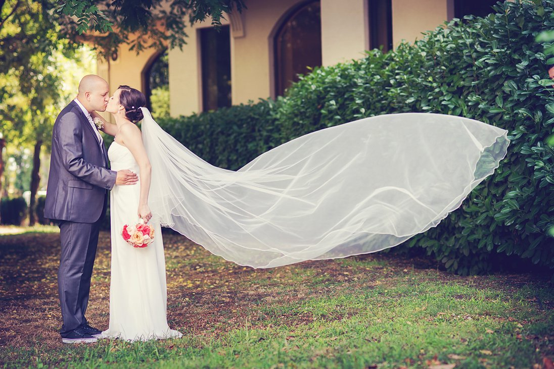 Romantic wedding photosession in nature