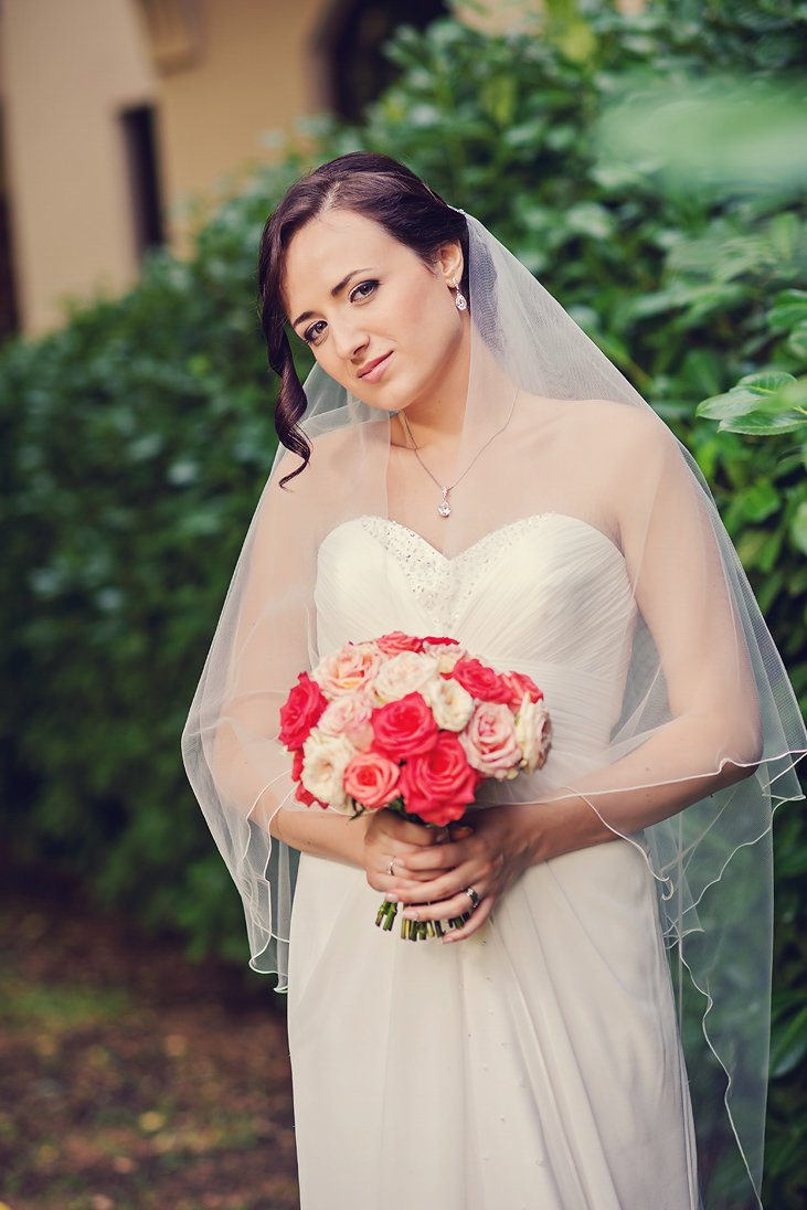 Bridal portrait with a wedding bouquet photo session