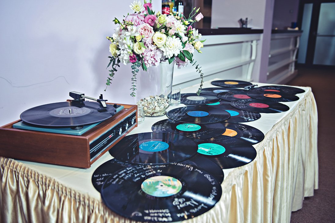 Wedding decoration gramophone records
