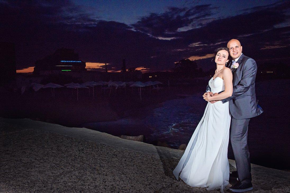 Wedding photosession at night