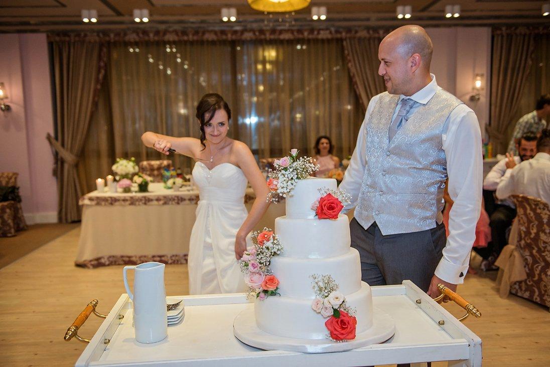 Kalina and Peter wedding cake