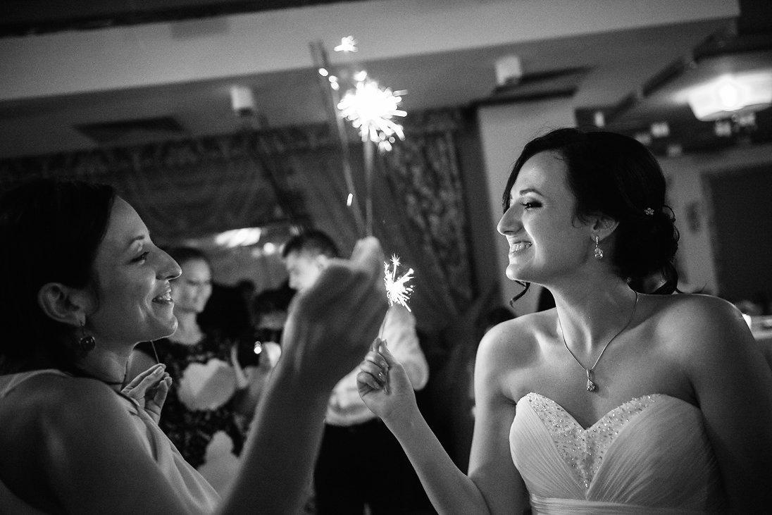 Sparkling lights at the wedding celebration