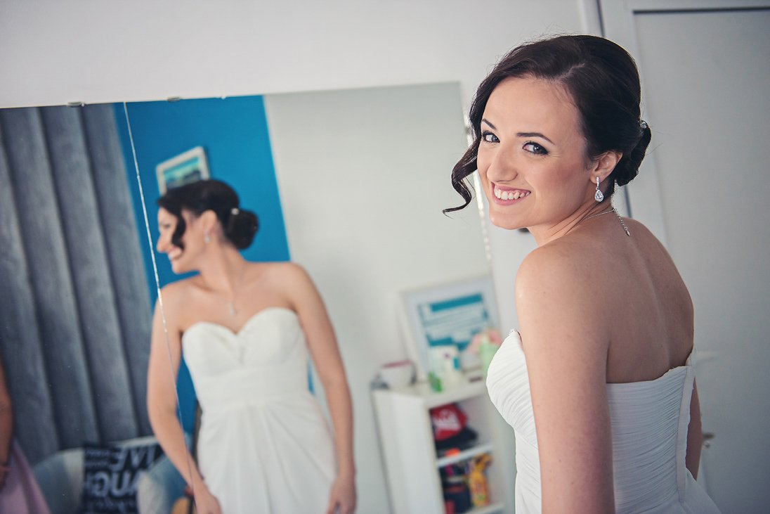 Bride's preparation photography