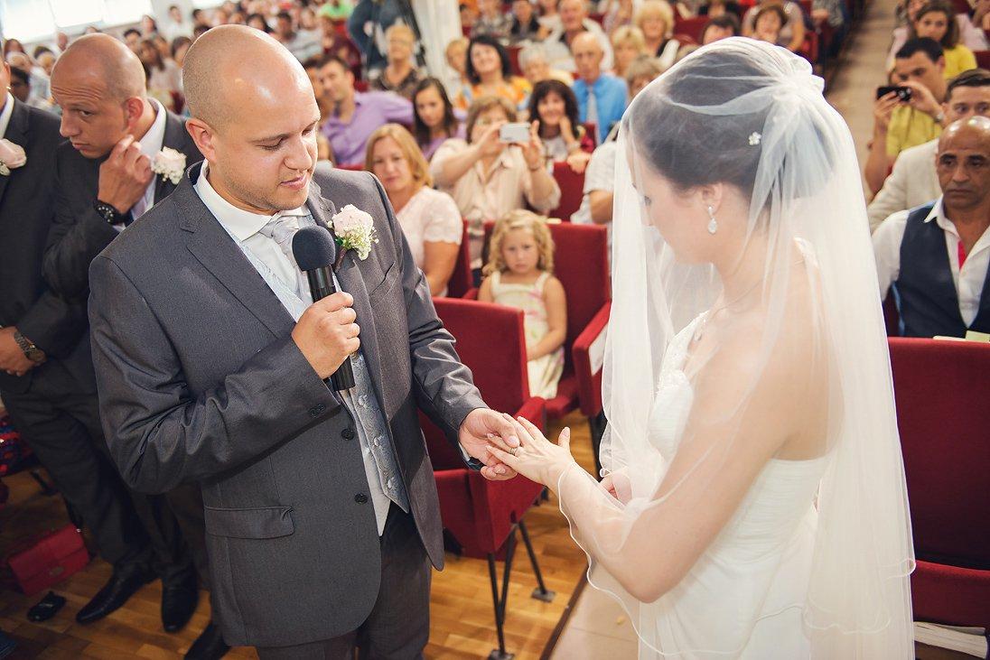 Kalina and Peter wedding rings change