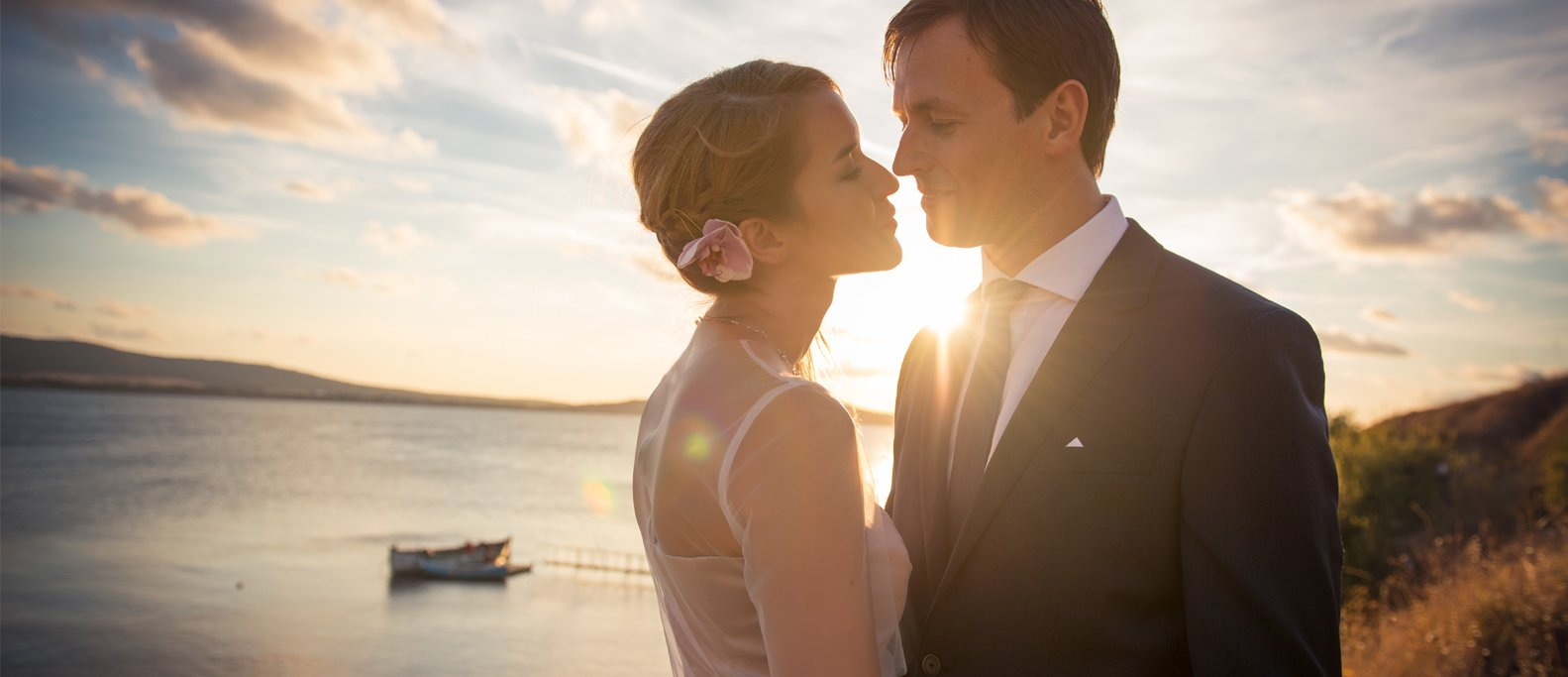 Romantic Wedding Photosession by the Sea