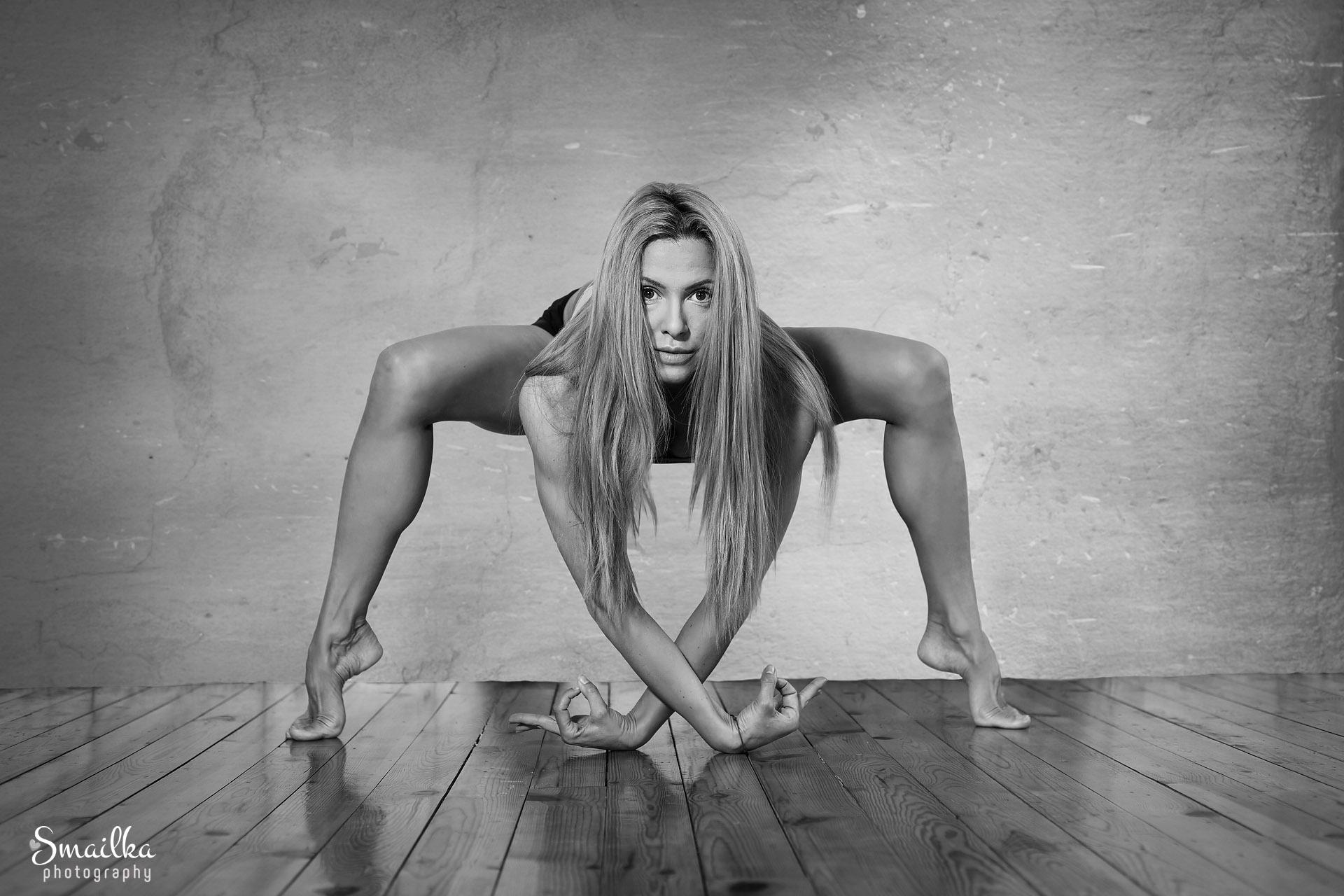 Yoga pose portrait Dobrich Yanica