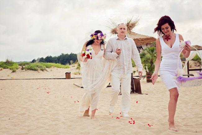 Photo 19 from Деси и Мартин – лежерна бохо сватба на плажа!