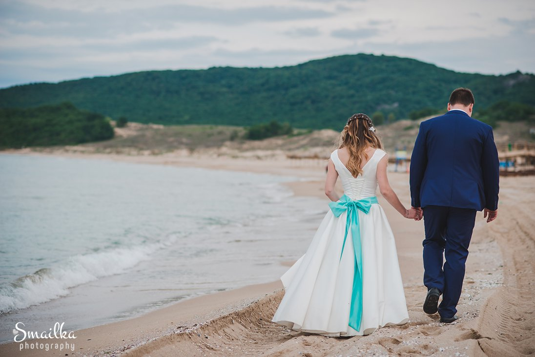 Wedding photosession on the beach of St. Thomas