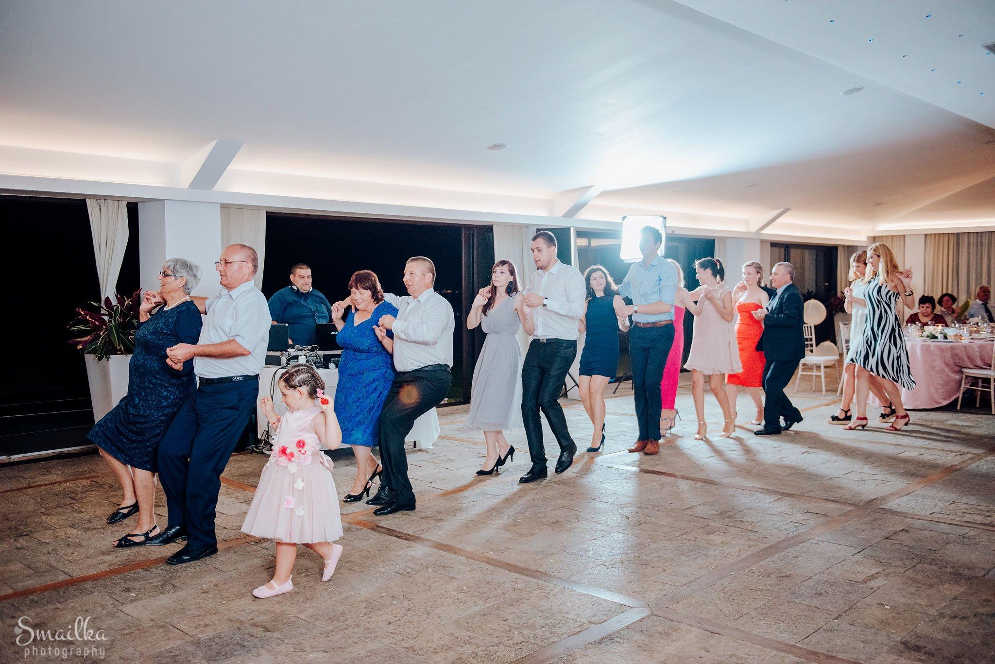 Traditional Romanian dances at a wedding at Black Sea Rama