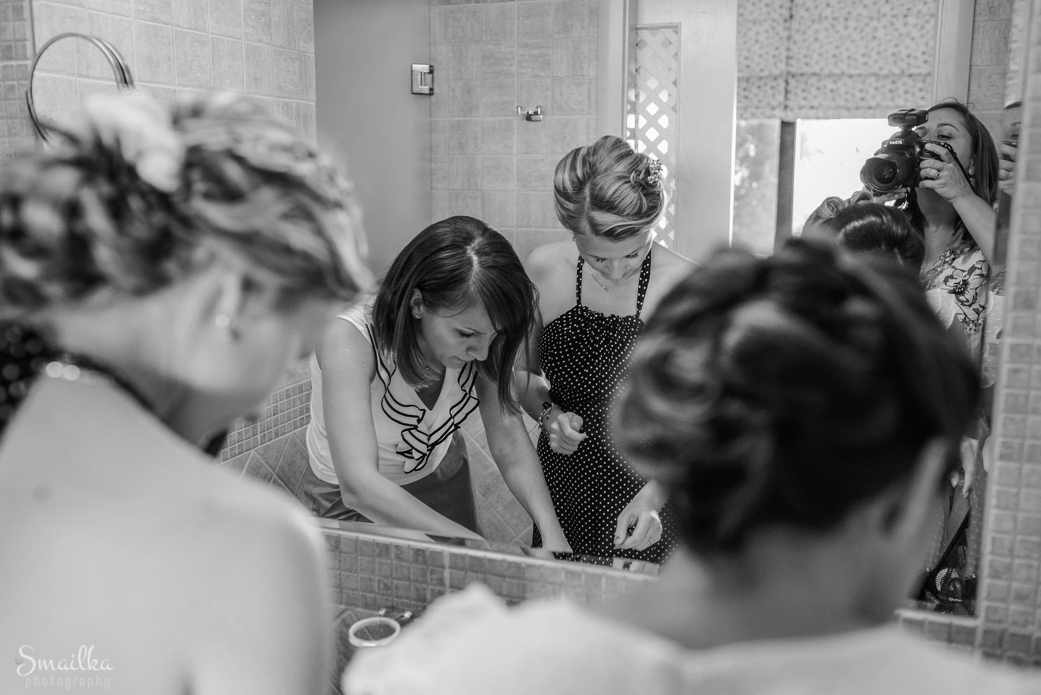 Bride and bestmaids preparation at Black Sea Rama
