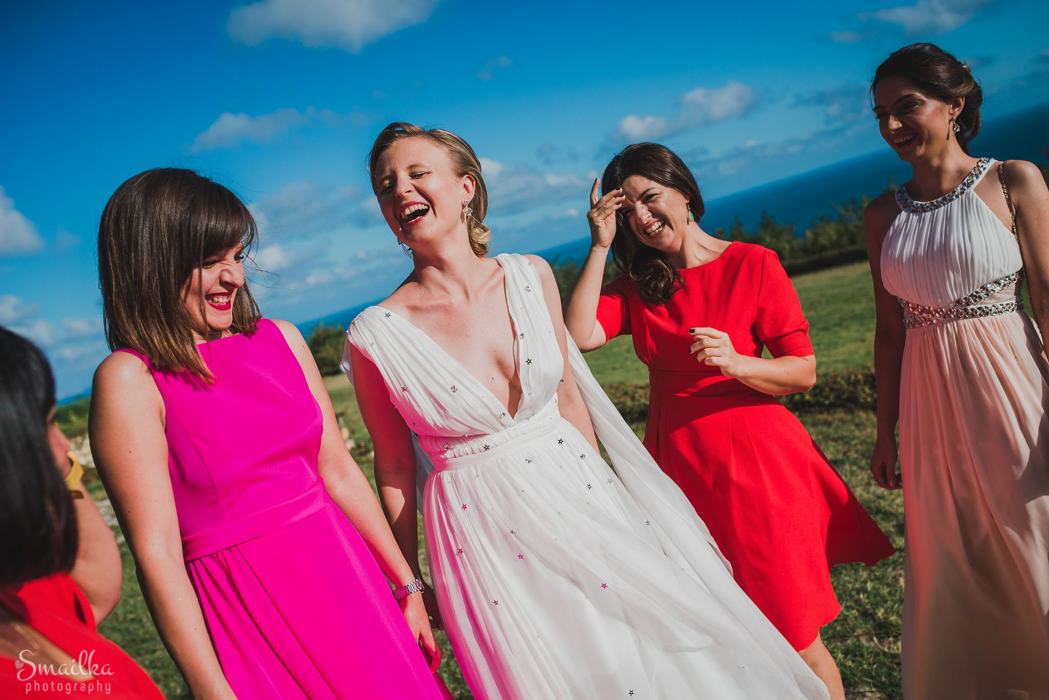 Bride and her maids-of-honor at Black Sea Rama