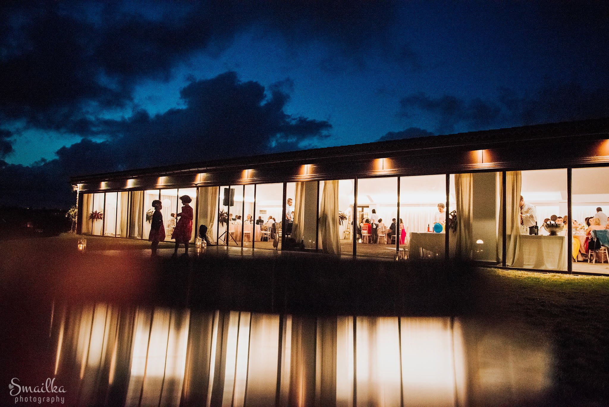 Photo of the wedding celebration venue at Black Sea Rama and its reflections